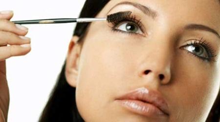 Truques para fazer maquiagem em casa